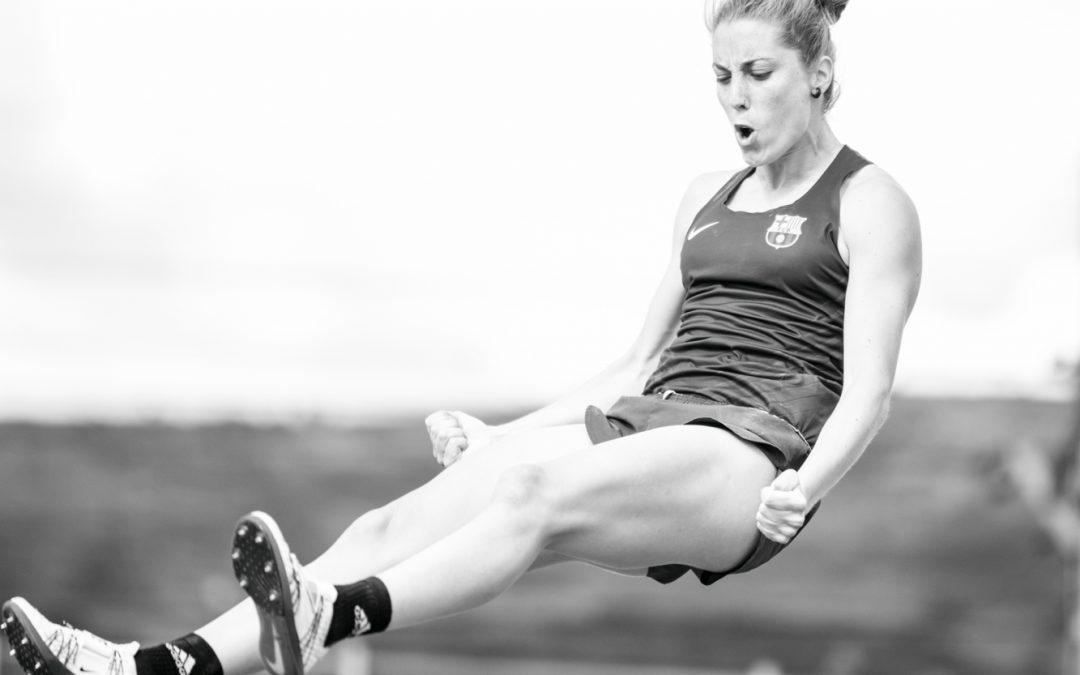 La práctica de actividad física es 50 % menor en las mujeres que en los hombres