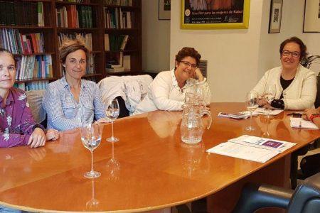 Reunión con Silvia Buabent y Leire Olaberría en el Instituto de la mujer